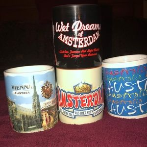 Lot of coffee/tea drinking cups